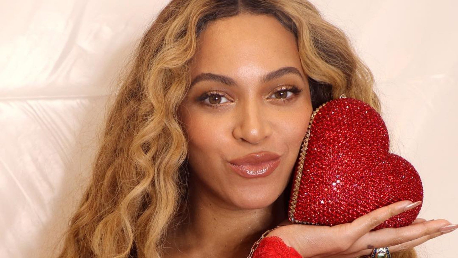 Beyoncé's Publicist Urges Beyhive Not to 'Spew Hate in her Name' Amid Nicole Curran Controversy